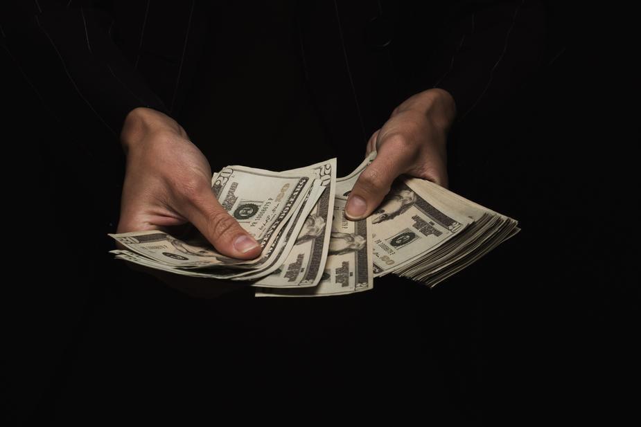 Anti money laundering training for agents